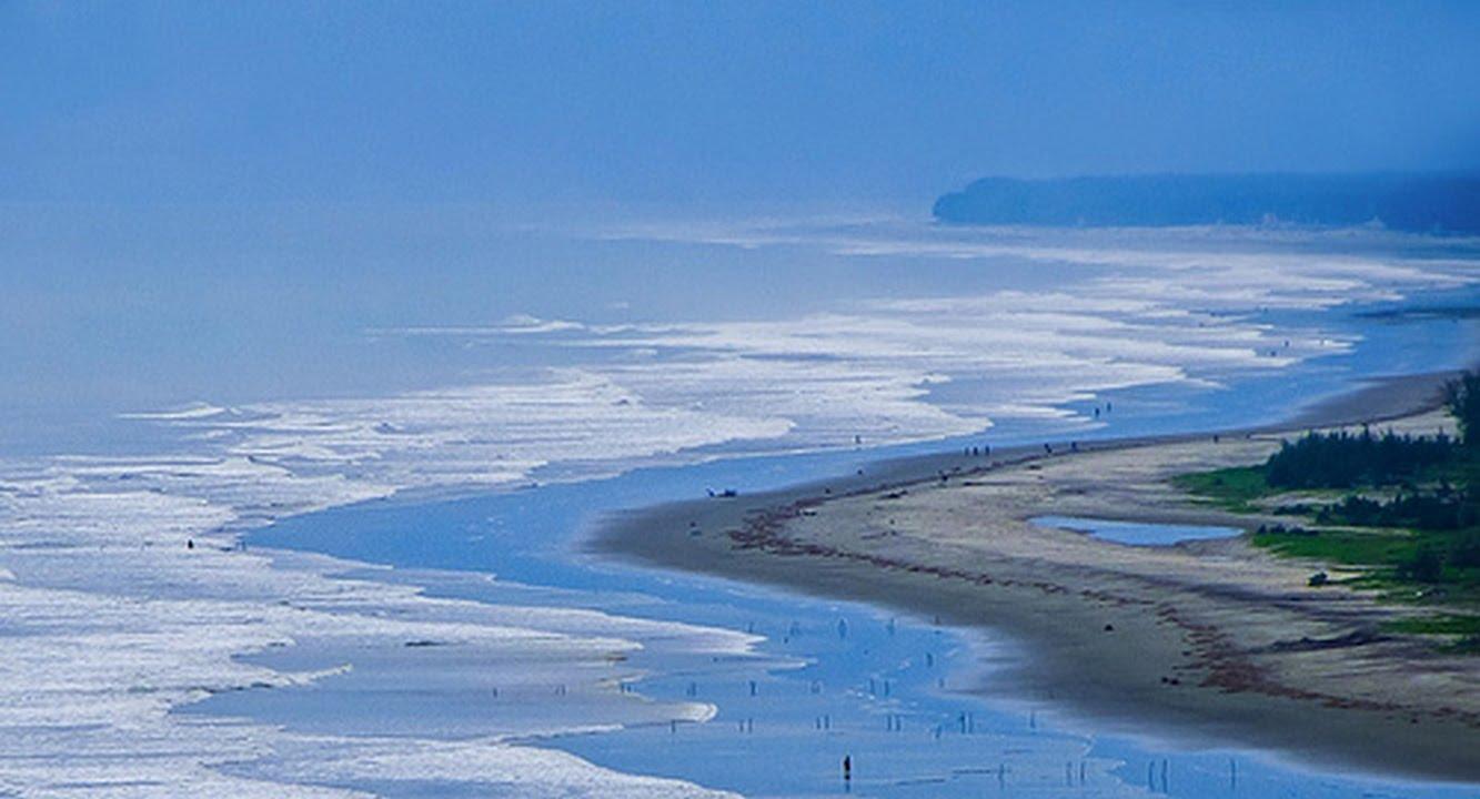 How long is Cox's Bazar beach