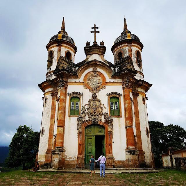 Igreja de São Francisco de Assis - Ouro Preto, Minas Gerais. Aleijadinho, mestre Ataíde, barroco, rococó