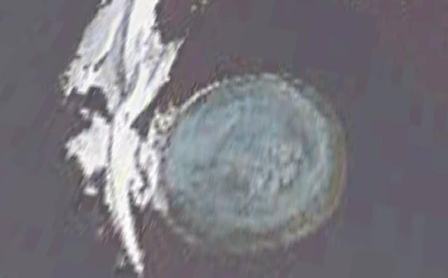 Melting Arctic Ice Reveals UFO Underwater Base  Antarctica%2Bufo%2Bunderwater%2Bbase%2B%25283%2529