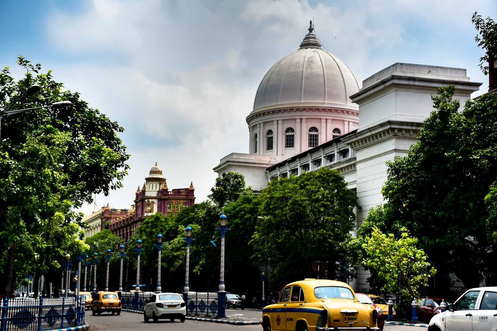 Dalhousie Square standing as the witness of the heritage of Colonial Kolkata @DoiBedouin