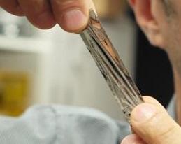 μια μαγνητική κασέτα ταινία στο μέγεθος παλάμης