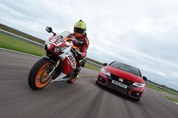 Honda Civic Type R vs Honda CBR 1000RR Fireblade