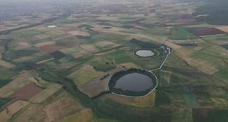 Οι δίδυμες λίμνες στον Αλμυρό που ήρθαν από το διάστημα