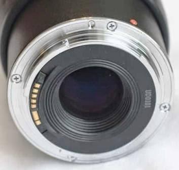 Canon EF tampak belakang