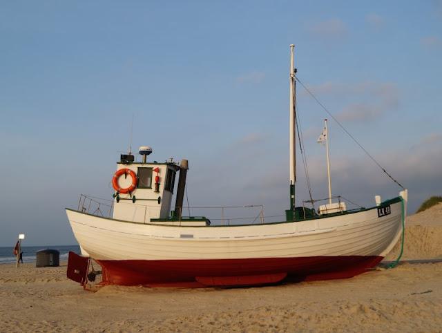 7 Ausflüge für Familien in Nord-Dänemark, die komplett kostenlos sind. Auf Küstenkidsunterwegs stelle ich Euch tolle Ausflugsziele für Familien mit Kindern vor, die Euren Urlaub bereichern und nichts kosten. Denn ich finde es wichtig, dass auch Familien mit wenig Geld tolle Urlaube und Ausflüge erleben können!