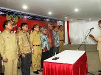 Plt Gubsu Lantik Tim Percepatan Akses Keuangan Daerah