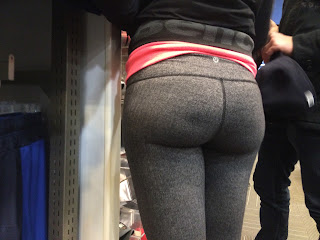 mujeres nalgonas calzas ajustadas
