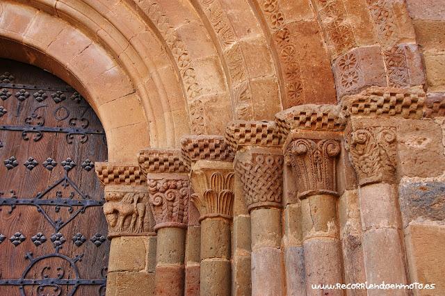 Capiteles portada iglesia abacial s.XII M. Veruela