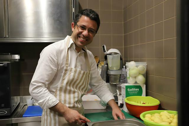 Pedro Pimpão: Um intruso na cozinha… do Café Calcinha