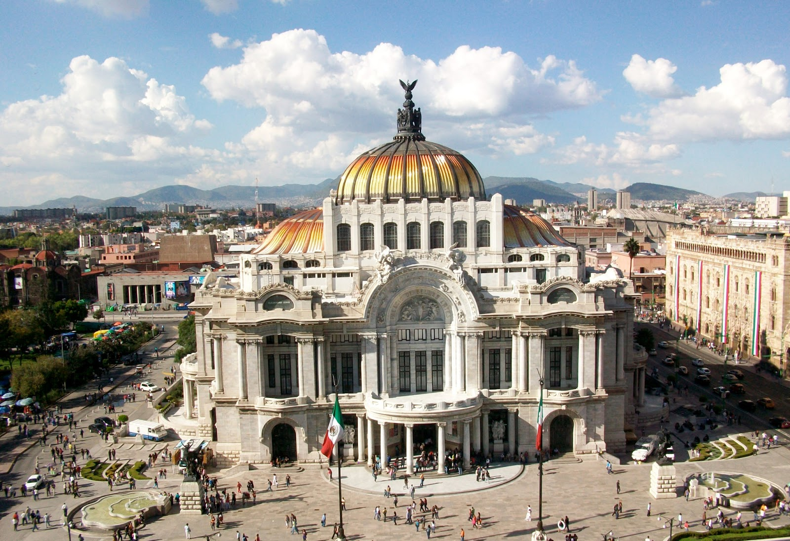 Travel & Adventures: Mexico City. A Voyage To Mexico City
