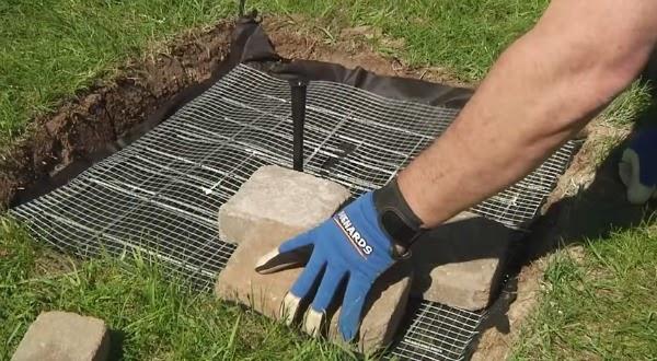 Construir una fuente de jard n paso a paso guia de jardin for Colocar adoquines en jardin