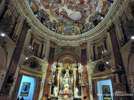 Basílica de la Virgen de los Desamparados, Plaza de la Virgen, Valencia
