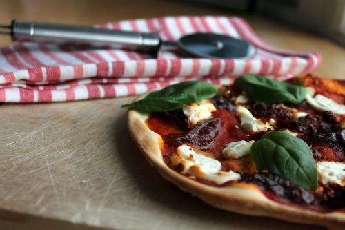 Goats Cheese, Sun-dried Tomato and Caramelised Onion Pizza