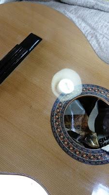 Guitarra Antilko del luthier Claudio Rojas - barnizado de tapa