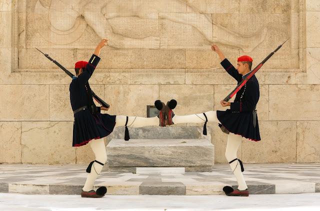 Foot_foot_Evzones_Athens