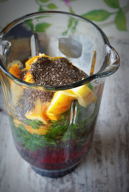 koktajl z buraka,sok z acerola,nasiona chia,jablko,mango,blender,friends of glass