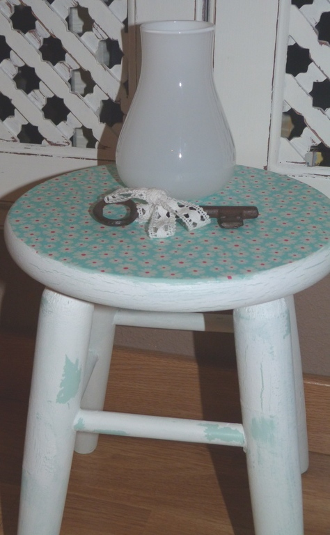isabelvintage-vintage-taburete-decorado-decoupage