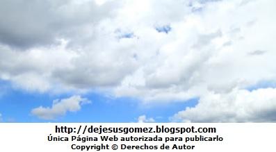 Foto de nubes al amanecer por Jesus Gómez