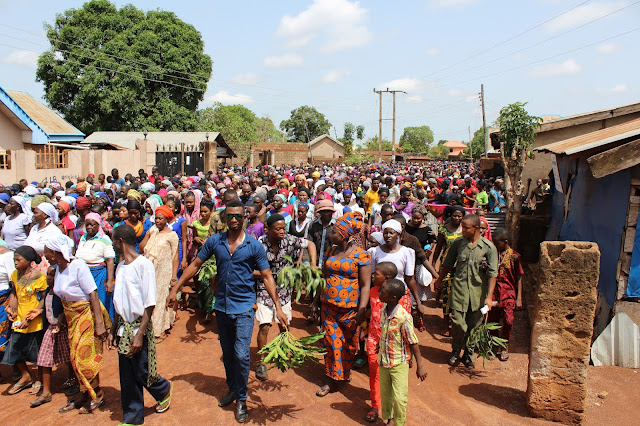 The Crowd/Multitude Carrying Out the Exercise ____Photo/Video Speak: Saint Anthony Parish Otukpo Passion Of Christ (Passion Play) 2017___