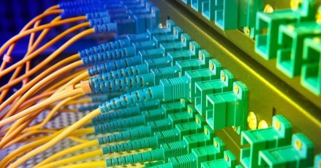 Pengertian Fiber Optik Beserta Fungsi, Kelebihan dan Kekurangan Fiber Optik untuk Keperluan Jaringan