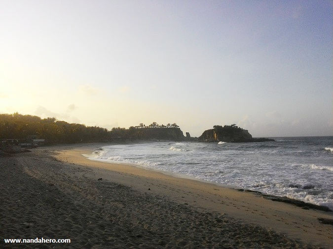 tempat wisata di pacitan pantai klayar