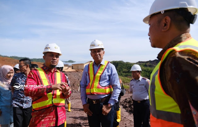 Tak Suka Berkoar, AAS Lebih Pentingkan Bahas Pembangunan Infrastruktur ke Bandara Buntu Kunik