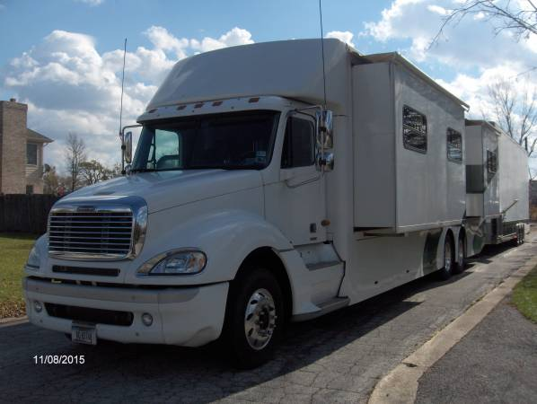2005 Freightliner Toterhome For Sale
