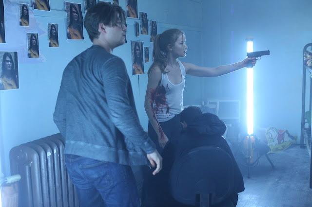 Imágenes promocionales del 2x12: 'When a Stranger Calls' (FINAL DE TEMPORADA)