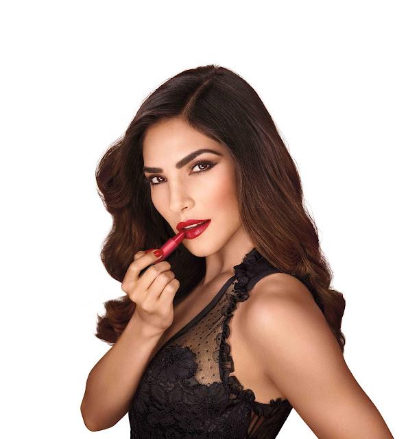 Revlon Super Lustrous Love Is On Lipstick