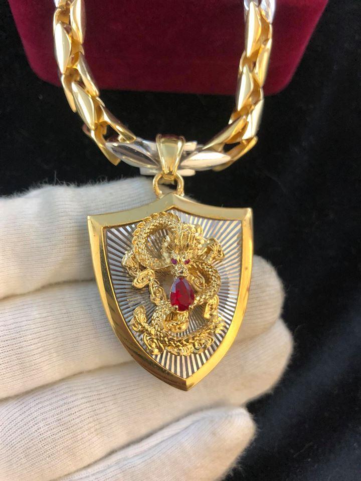 Rất nhiều thanh niên tỏ ra oai oách giàu có đeo cái dây này nhưng có biết đâu nó chỉ là đồ vàng xi giả