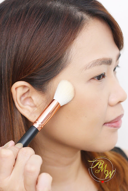 a photo on how to apply Max FactorX Creme Puff Blush in Alluring Rose