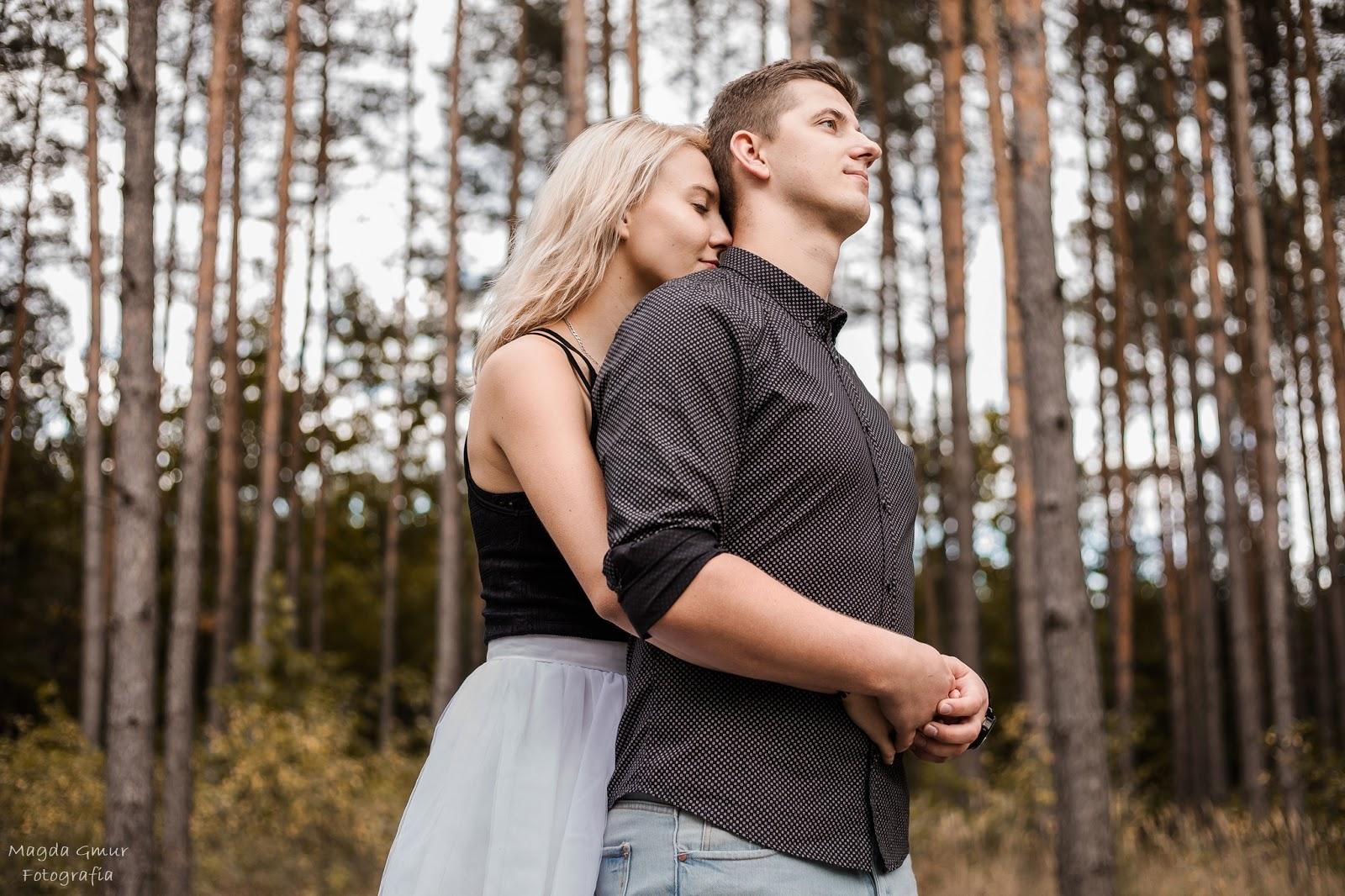 sesja zakochanych, zdjecia pary, plener, fotograf opoczno, najlepszy fotograf w opocznie, fotograf slubny opoczno, fotograf slubny lublin, sesja w lesie, zakochani, magda gmur foto