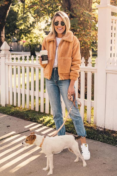 21 Fall Clothing Ideas That are Anything but Boring | Better Yourself Tee + Teddy Jacket + Levi's Jeans + Adidas Superstar Sneakers