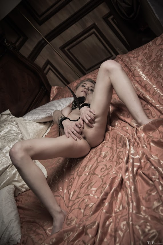 TheLifeErotic Eva Gold Escape To CumReal Street Angels