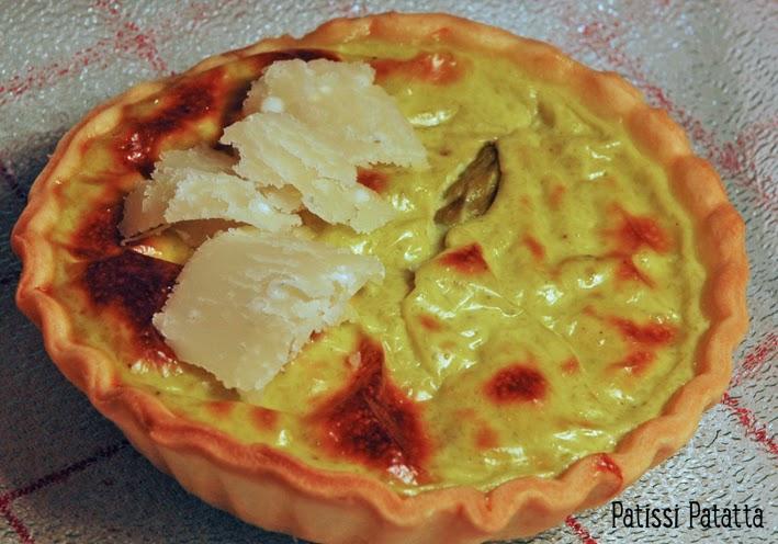 recette de tartelettes aux asperges, asperges vertes, cuisiner des asperges, que faire avec des asperges, petites tartes asperges vertes et parmesan