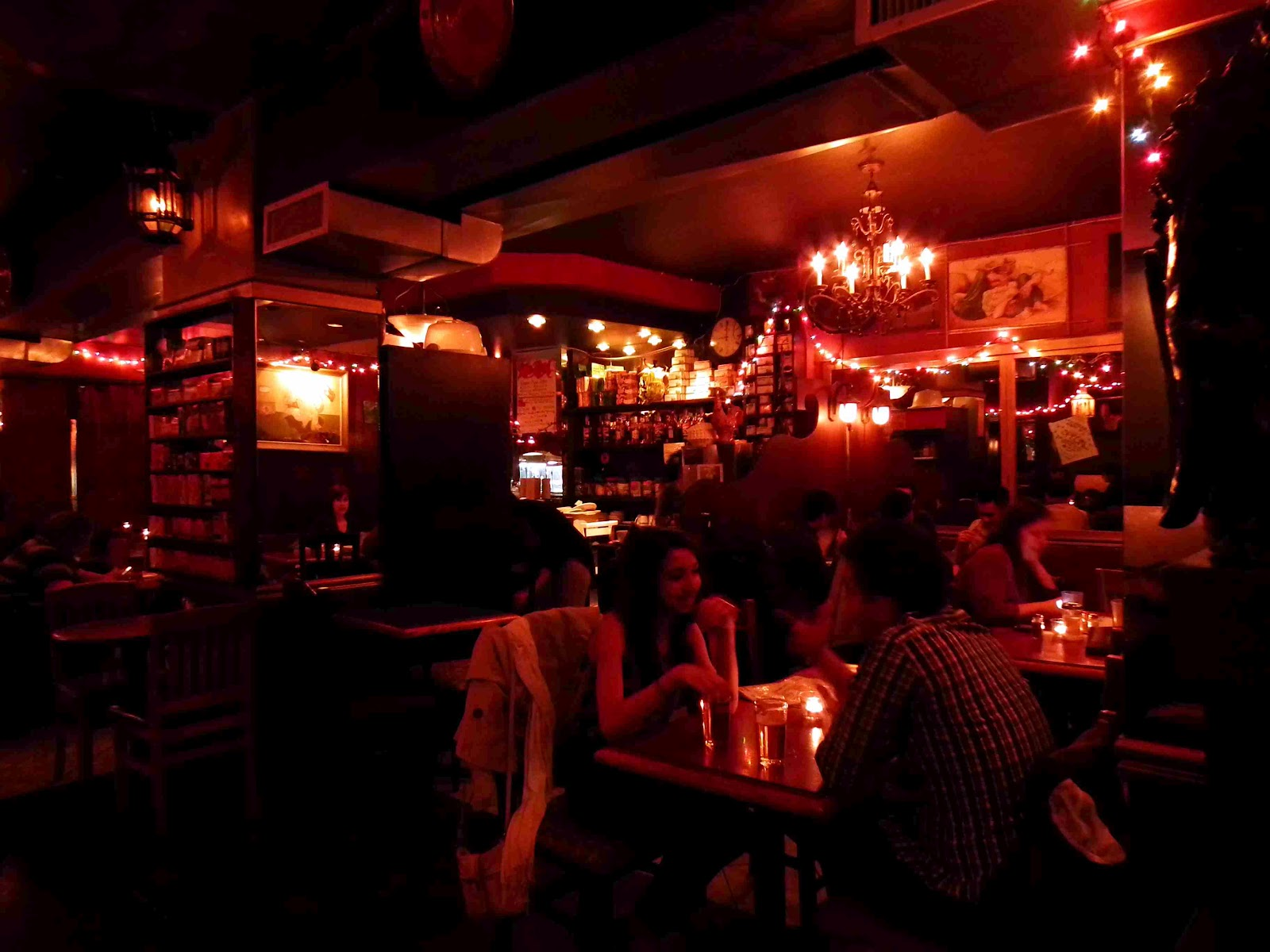 THE RED ROOM - BAR UNDERGROUND | Bons plans Toronto