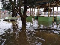 Kota Sekadau Diguyur Hujan, Banjir Terjadi Beberapa Desa