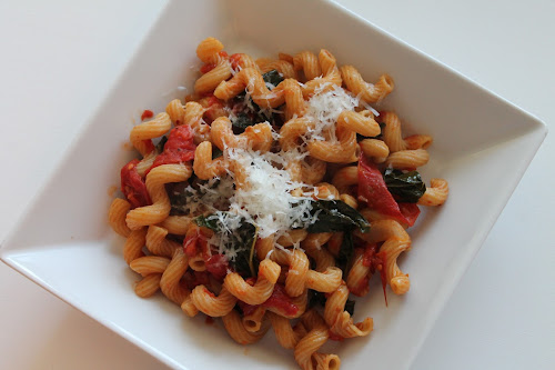 Roasted Tomato and Kale Pasta