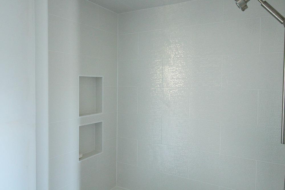 White shimmery tile
