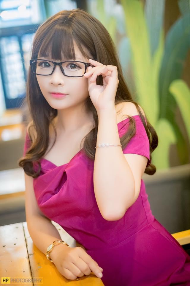 Phạm Minh Châu tung bộ ảnh siêu Hot