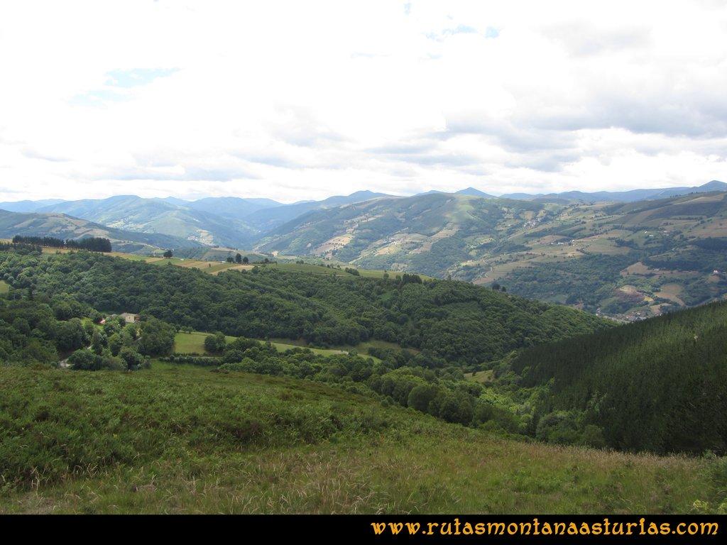 Ruta Cangas - Acebo: Vista de los valles del Narcea