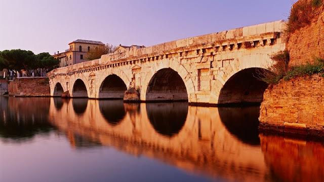 Ponte di Tiberio em Rimini