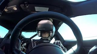 Autóvezetés közben telefonálni headset