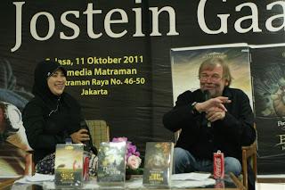 Dunia Sophie-nya Jostein Gaarder