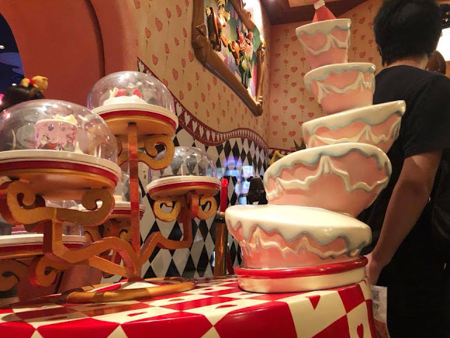 Restaurant Alice Tokyo Disneyland