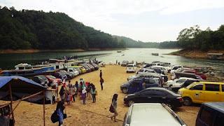 http://www.wisatakalimantan.com/2016/07/wisata-waduk-riam-kanan-desa-aranio.html