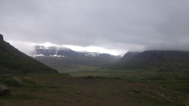 איפשהו על כביש 1 במזרח איסלנד