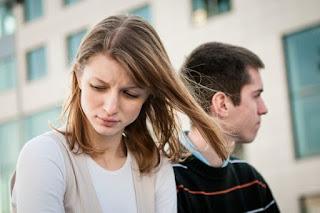 Saatnya Berhenti, Ini 7 Tanda Kamu Selama Ini Cuma Memaksakan Hubungan