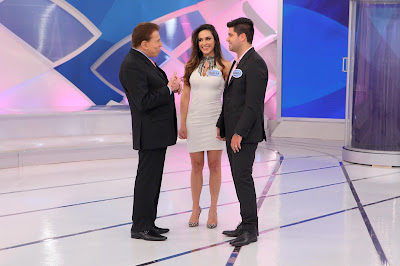 Silvio conversa com Nadja Haddad. Crédito da foto: Lourival Ribeiro/SBT