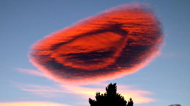 Lenticular 'UFO' Clouds. Weird Shape Cloud. It looks like Spaceship